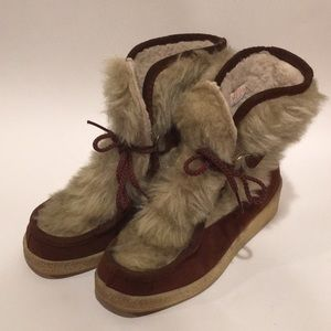 Vintage Yodeler's Suede Sherpa Lined Snow Boots